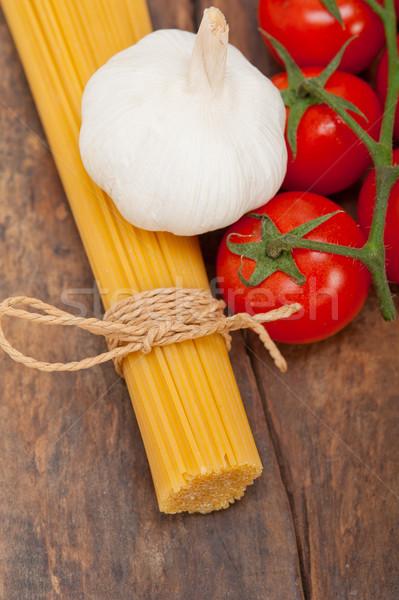 Olasz alapvető tészta hozzávalók friss koktélparadicsom Stock fotó © keko64