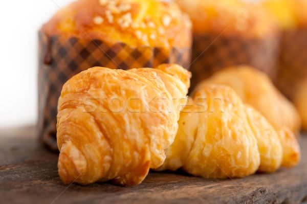 Imagine de stoc: Proaspăt · briosa · croissant · lemn · vechi · tabel