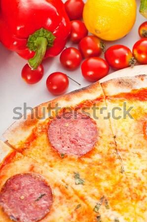 イタリア語 オリジナル 薄い ペパロニ ピザ 新鮮な野菜 ストックフォト © keko64
