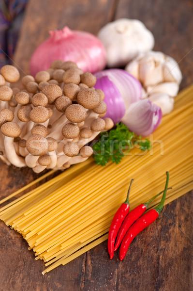 Foto d'archivio: Italiana · pasta · funghi · salsa · ingredienti · greggio