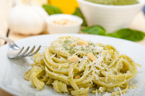 Foto stock: Italiano · tradicional · manjericão · pesto · macarrão · ingredientes