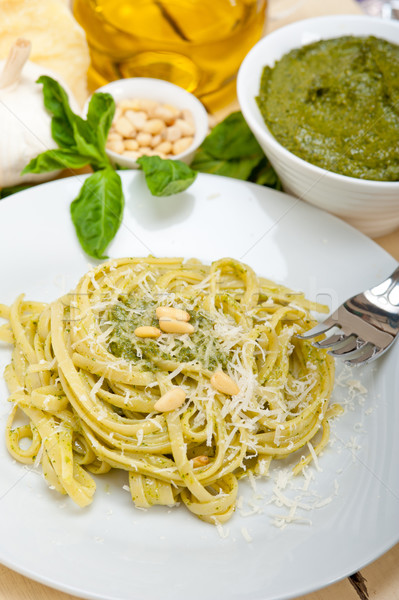 Italien traditionnel basilic pesto pâtes ingrédients Photo stock © keko64