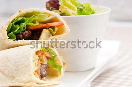 Frango pita rolar sanduíche tradicional Foto stock © keko64