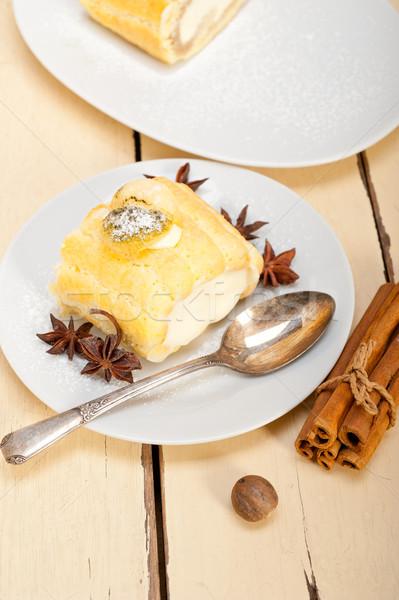 Creme rolar bolo sobremesa temperos fresco Foto stock © keko64