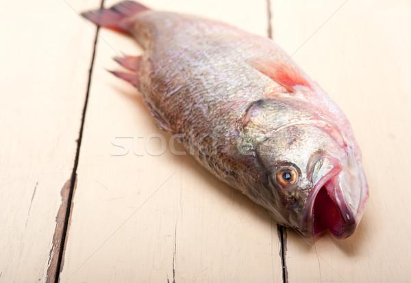 新鮮な 全体 生 魚 木製のテーブル 準備 ストックフォト © keko64