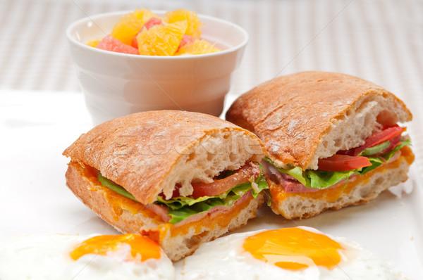 Panini sandviç yumurta domates marul taze Stok fotoğraf © keko64