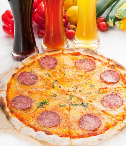 Foto d'archivio: Italiana · originale · sottile · pepperoni · pizza · sfondo