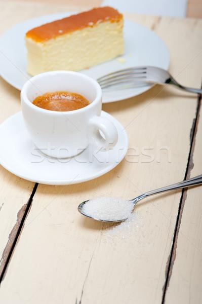 Olasz eszpresszó kávé sajttorta fehér fa asztal Stock fotó © keko64