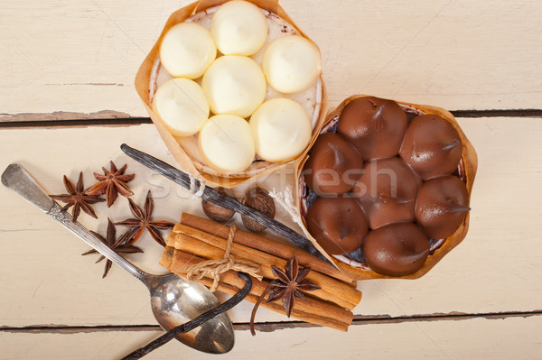 Chocolade vanille specerijen room cake dessert Stockfoto © keko64