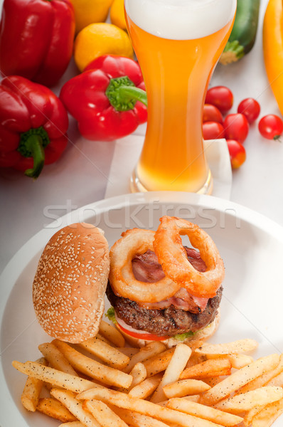 Stockfoto: Klassiek · hamburger · sandwich · frietjes · amerikaanse · ui