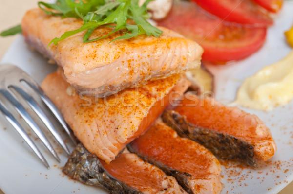 Grillezett filé zöldségek saláta friss paradicsom Stock fotó © keko64