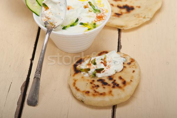 Arab Medio Oriente capra yogurt cetriolo insalata Foto d'archivio © keko64