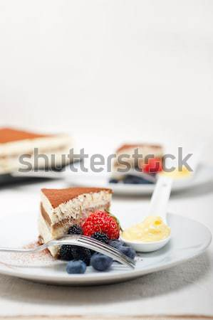 Tiramisu dessert bessen room klassiek Italiaans Stockfoto © keko64