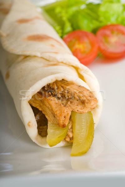 Pita chleba kurczaka toczyć ogórki konserwowe ogórki Zdjęcia stock © keko64