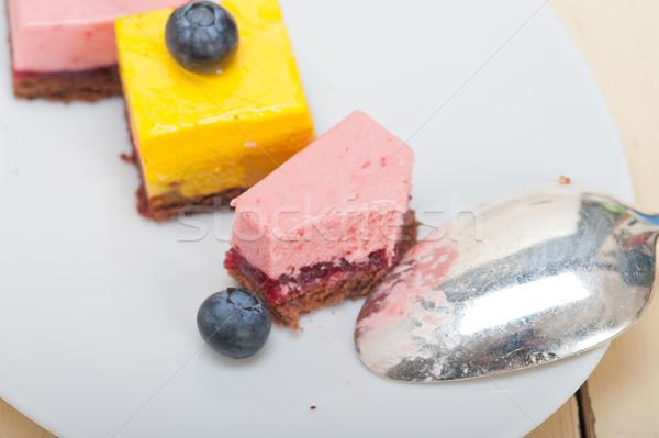 Aardbei mango dessert cake vers Stockfoto © keko64