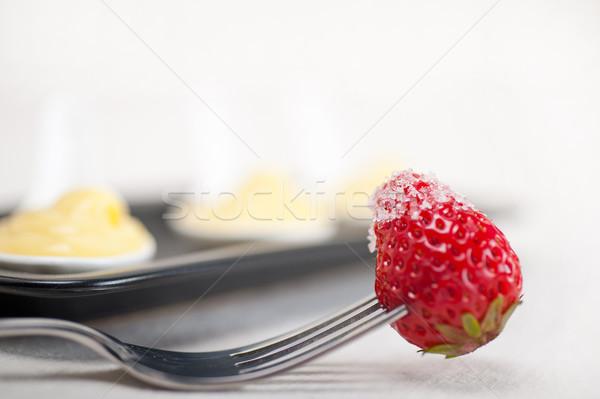 カスタード ペストリー クリーム イチゴ フォーク 卵 ストックフォト © keko64