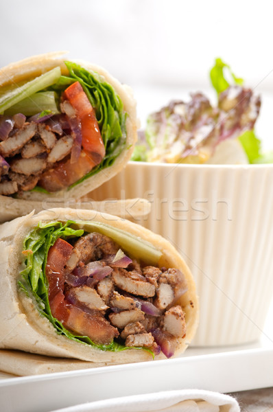 鶏 ピタ麻 ロール サンドイッチ 伝統的な ストックフォト © keko64