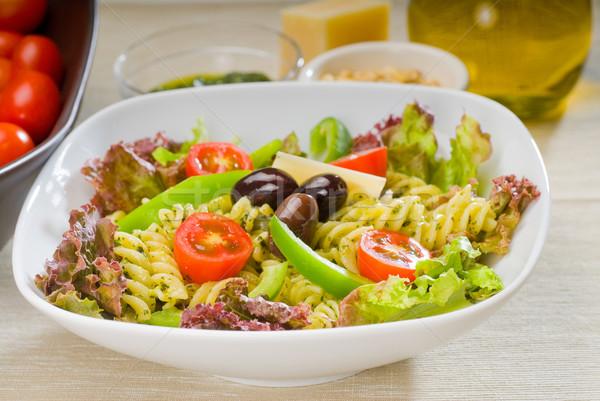 Włoski makaronu Sałatka świeże zdrowych domowej roboty Zdjęcia stock © keko64