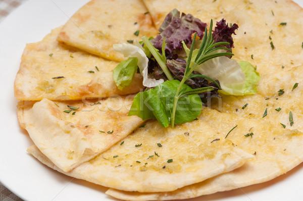 Czosnku pita chleba pizza Sałatka górę Zdjęcia stock © keko64