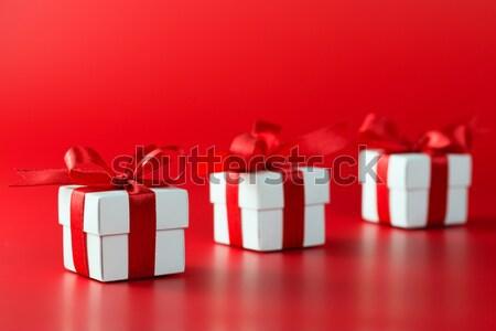 Weihnachten Geschenkbox weiß isoliert rot Stock foto © kenishirotie