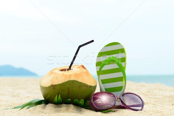 Yaz plaj çift yeşil çizgili güneş gözlüğü Stok fotoğraf © kenishirotie