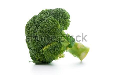 Broccoli geïsoleerd witte ruw plantaardige groene Stockfoto © kenishirotie