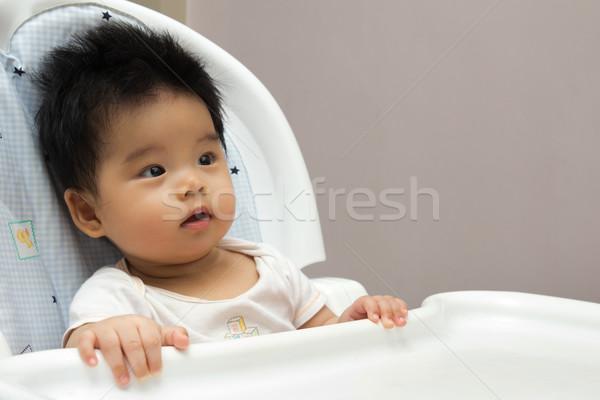 Foto stock: Pequeno · bebê · alto · cadeira · retrato · asiático