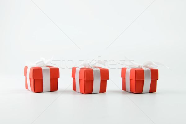 Rojo cajas de regalo tres cinta blanco cumpleanos Foto stock © kenishirotie