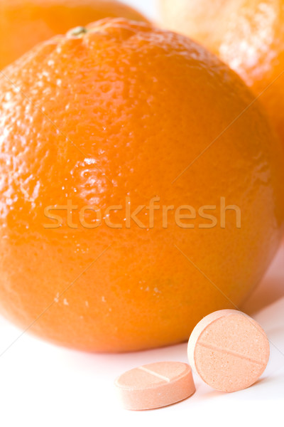 Vitamine c pilules orange fruits médecine pharmacie Photo stock © kenishirotie