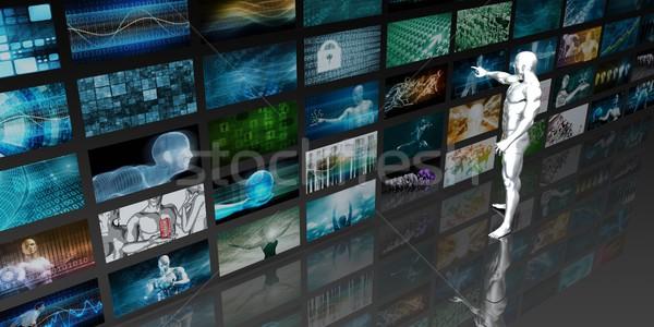 Férfi néz videofal számítógép televízió film Stock fotó © kentoh