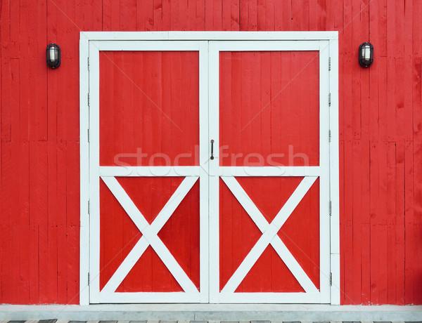 Ajtó fal fából készült piros fa terv Stock fotó © Kheat
