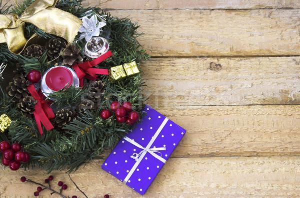 Christmas krans aanwezig geschenk houten oppervlak Stockfoto © Kidza