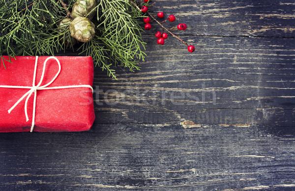 クリスマス ギフトボックス 木製 ギフト 暗い 家族 ストックフォト © Kidza