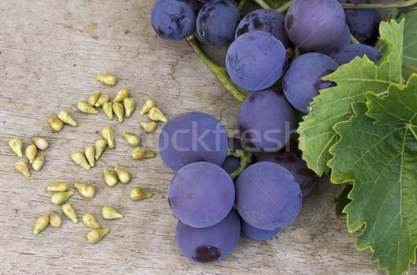 üzüm tohum üzüm ahşap masa meyve tıp Stok fotoğraf © Kidza