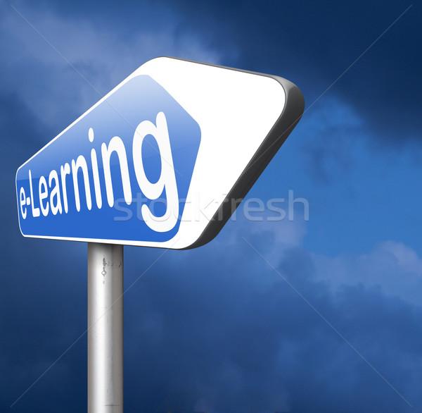 Online oktatás online oktatás internet nyitva iskola Stock fotó © kikkerdirk