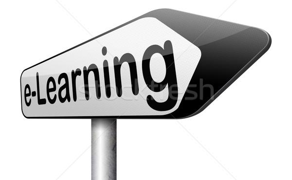 Znak drogowy online edukacji Internetu nauki Zdjęcia stock © kikkerdirk