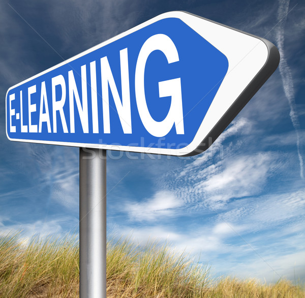 On-line educação placa sinalizadora seta internet Foto stock © kikkerdirk