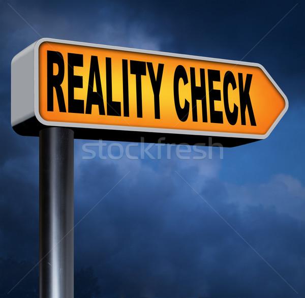 Photo stock: Réalité · vérifier · up · vers · le · bas · signe · panneau · routier