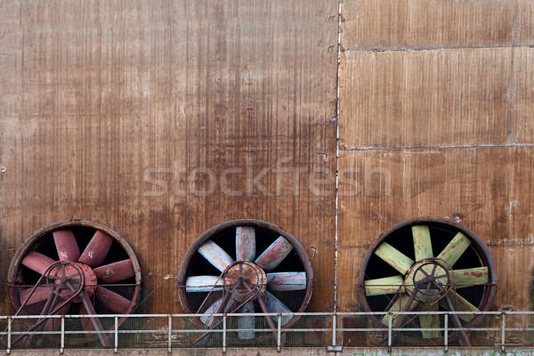 Oude industriële ventilatie staal fabriek drie Stockfoto © kikkerdirk