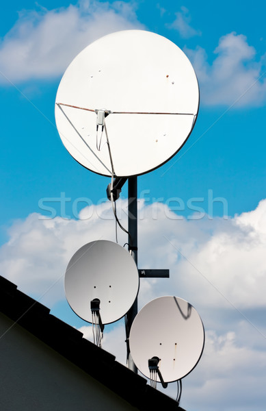 Satélite imagem três edifício televisão construção Foto stock © Kirschner
