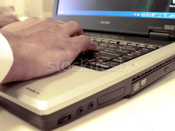 нет описание бизнеса рук ноутбука Финансы Сток-фото © kjpargeter
