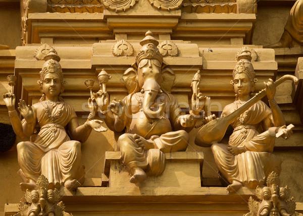 Gouden toren tempel aanbidden standbeeld Stockfoto © Klodien