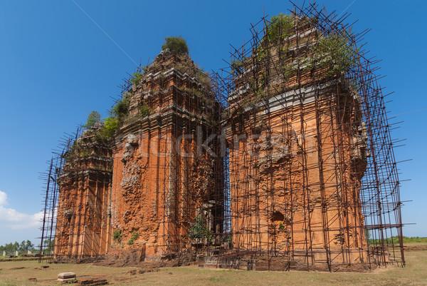 Három tornyok hosszú Vietnam tégla vallás Stock fotó © Klodien