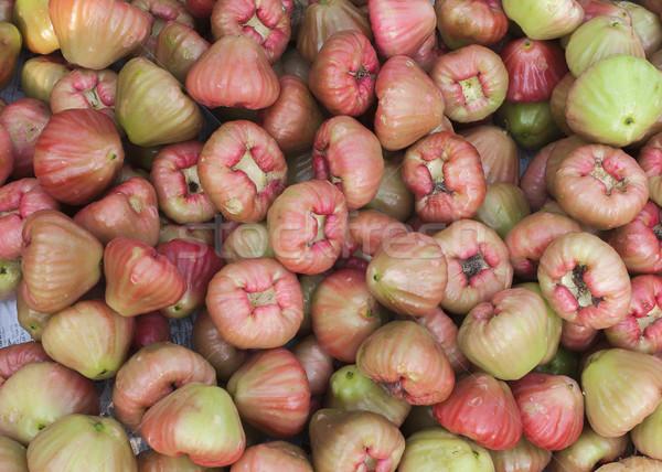 Tas rose pommes marché Viêt-Nam Photo stock © Klodien