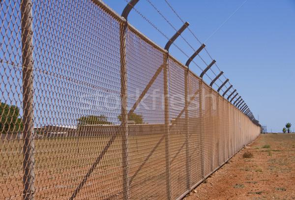Clôture désert droit saleté armée militaire Photo stock © Klodien