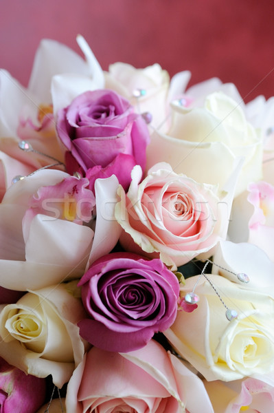 Menyasszonyok virágcsokor közelkép rózsaszín rózsák virágok Stock fotó © KMWPhotography