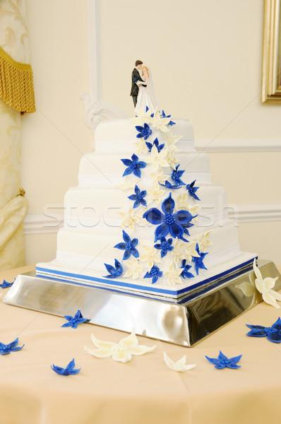 Düğün pastası mavi beyaz gelin damat Stok fotoğraf © KMWPhotography