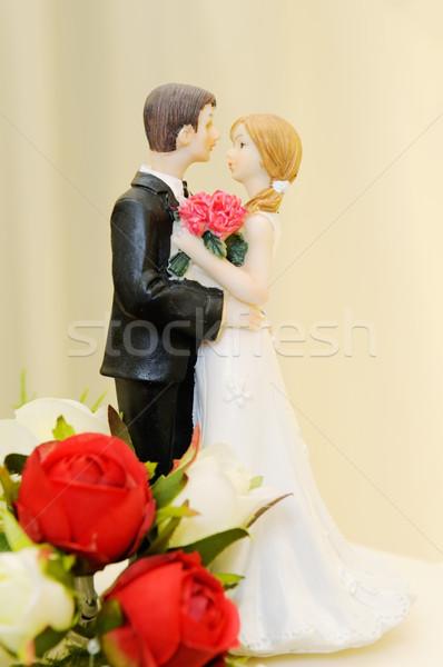 Bruidstaart bruid bruidegom omarmen bloem liefde Stockfoto © KMWPhotography
