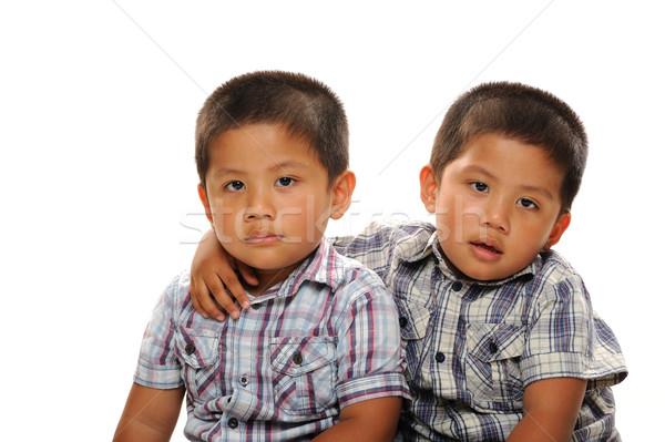 Iker fiúk ölelkezés fiútestvérek ázsiai visel Stock fotó © KMWPhotography