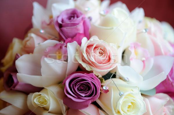 Menyasszonyok virágcsokor lila rózsaszín menyasszony házasság Stock fotó © KMWPhotography